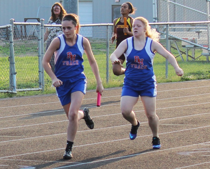 150407-Allison Taylor & Whitli Thomas-4x200m relay