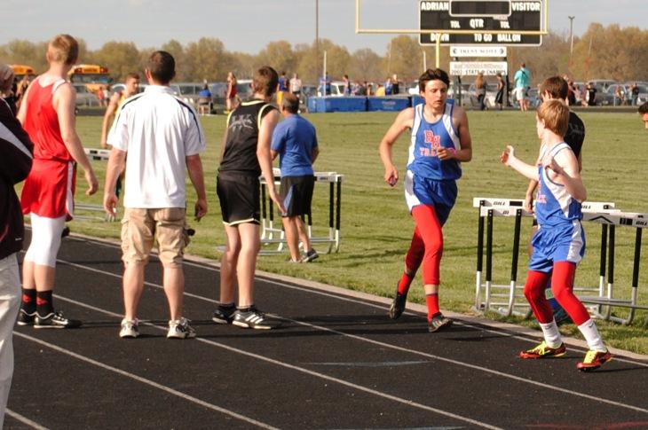 4x800m relay 1-Dustin Miller to Dalen Lewis